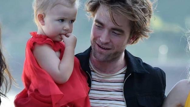 Z kim dzisiaj Robert Pattinson spotyka się